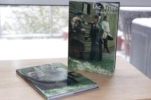 Die zwei ersten Exemplare des zweiten Trötensammlers vor Aachens Winterkulisse
