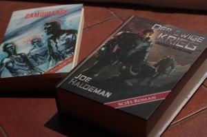 Zwei Romane von Joe Haldeman bei Mantikore: Camouflage und Der ewige Krieg