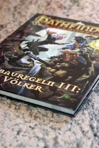 """Die """"Ausbauregeln III: Völker"""" für das Pathfinder-Rollenspiel"""